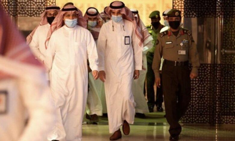 رئيس هيئة الطيران المدني في السعودية يتفقد مطار الملك خالد بالرياض